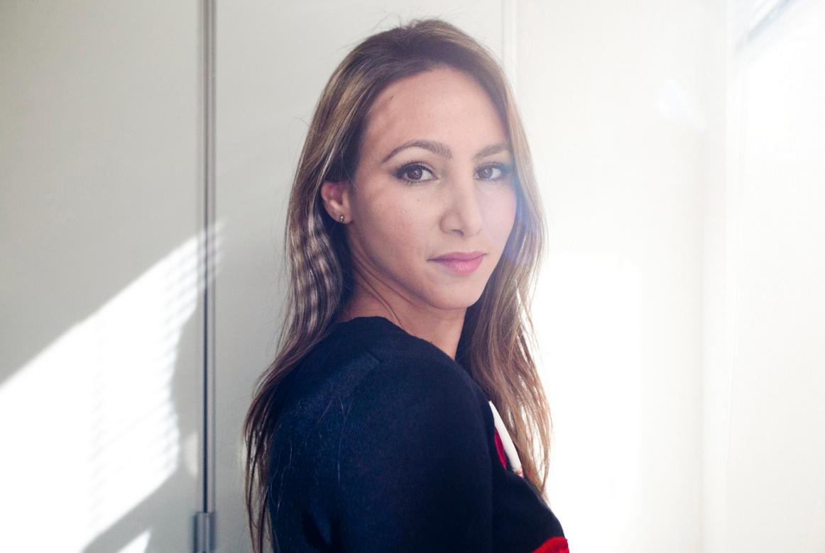 Как построить девушка модель в дипломной работе модели онлайн тында